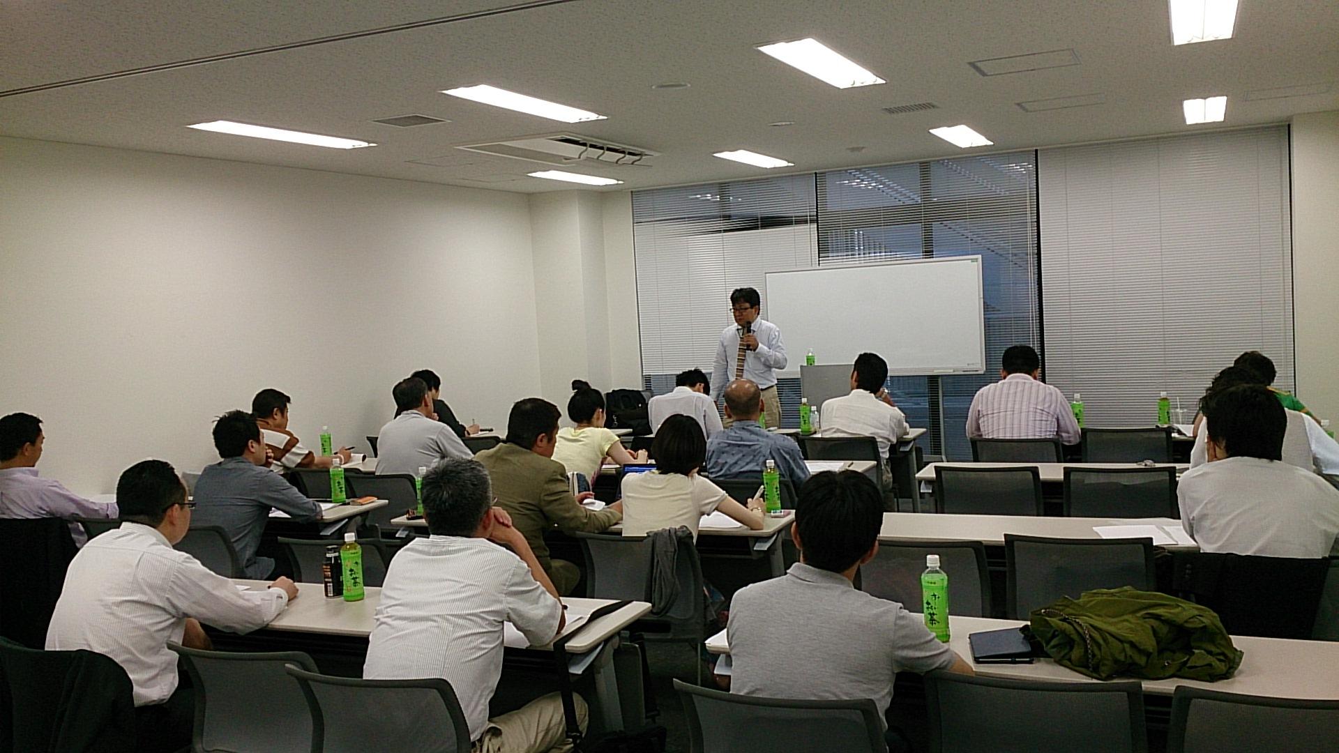 2014年、明日の実務経営意匠研究会(アスケン)で小野和彦が言った!「入会は小野和彦を参謀に出来るチケットなんです!またもうひとつのチケットは・・・」